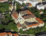 kostel sv. Jana Nepomuckého Na Skalce a klášter Na Slovanech (Emauzy), foto: Libor Sváček, archiv Vydavatelství MCU s.r.o.