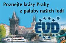 Plavby na lodích a parnících Prahou