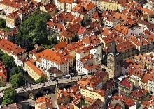 Letecký pohled na část Malé Strany, foto: Libor Sváček, archiv Vydavatelství MCU s.r.o.